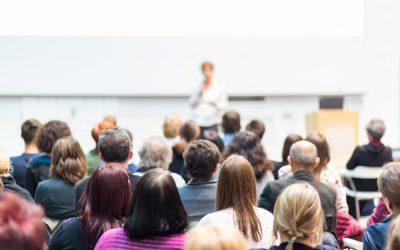 Conférence devant les parents d'élèves de l'ensemble scolaire Batignolles Épinettes à Paris